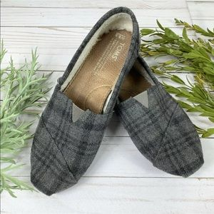 Toms 8.5 Shoes Gray Plaid Flannel Fleece Lined